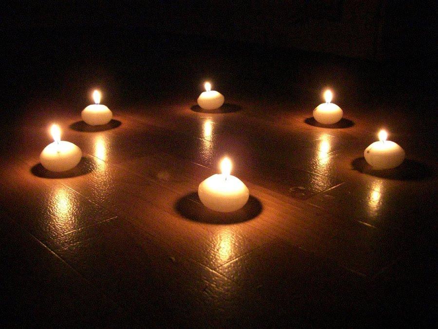 [Ambientación] La Inquisición Circulo-velas-blancas
