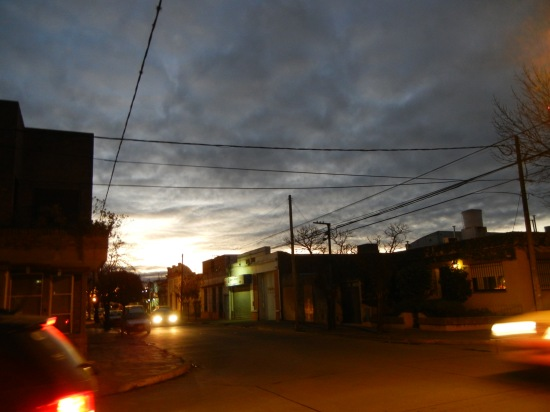 Cae la noche en Mercedes, Bs Aires