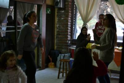 Clase de baile en el Bazar Circular, con Camila Cortés