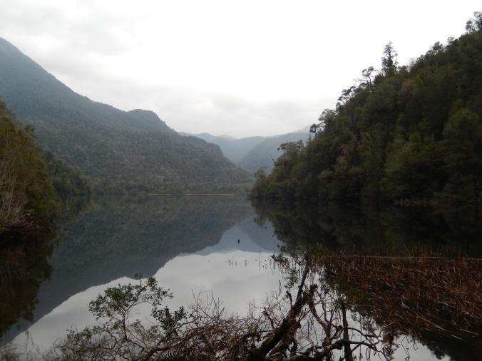 No sé si la foto evoca la poderosa energía de este lugar, pero aquí está: Laguna Chaiquenes, sur de Chile