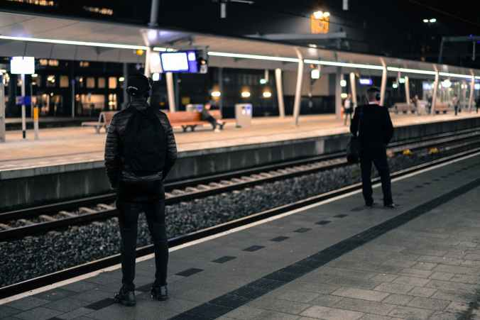 train-station-netherlands-platform-722707.jpeg
