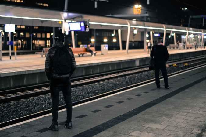 train-station-netherlands-platform-722707.jpeg